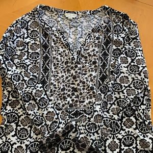 Lucky brand top size large black & white